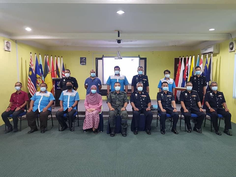 Majlis Penyerahan Face Mask Dan Hand Sanitizer Kepada Pelatih Konstabel Orang Asli YP 1 Tahun 2020