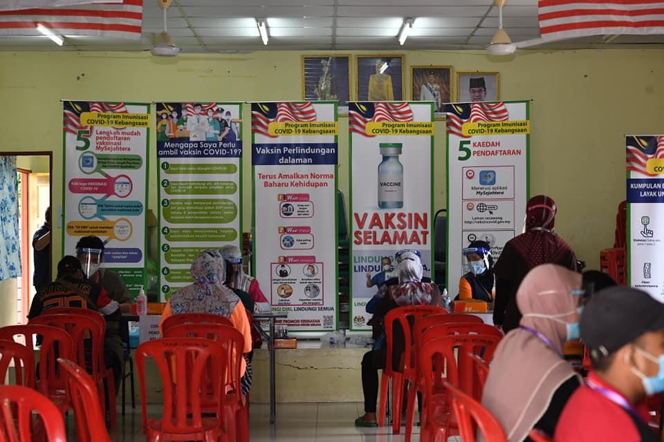 Suntikan vaksin Covid-19 KOA Bkt. Payung, Alor Gajah, Melaka